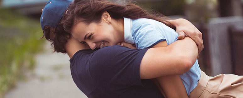 "Boys and girls: 5 signs that you are ""just friends"""